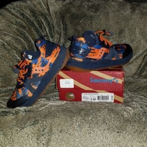 SAUCONY S -Voxel 9000 NV/ Orange  Boys 2 M